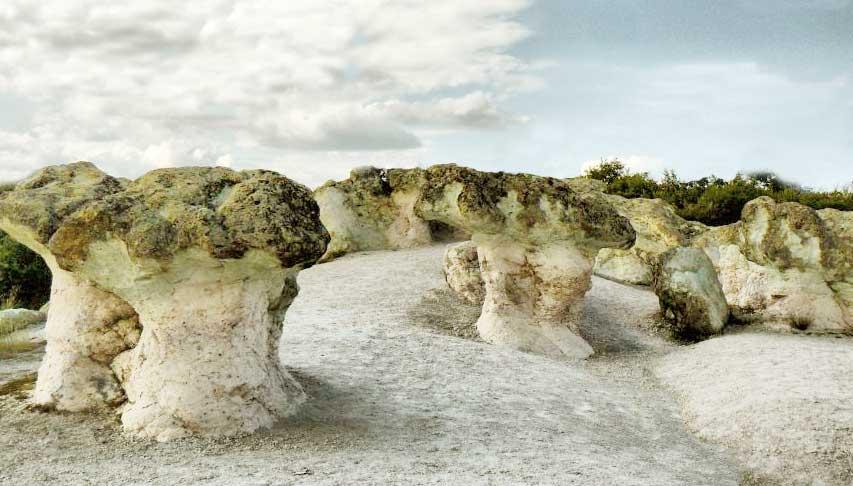 Stone Mushrooms presso Beli plas, un villaggio nel comune di Kardzhali, nella provincia di Kardzhali (Bulgaria